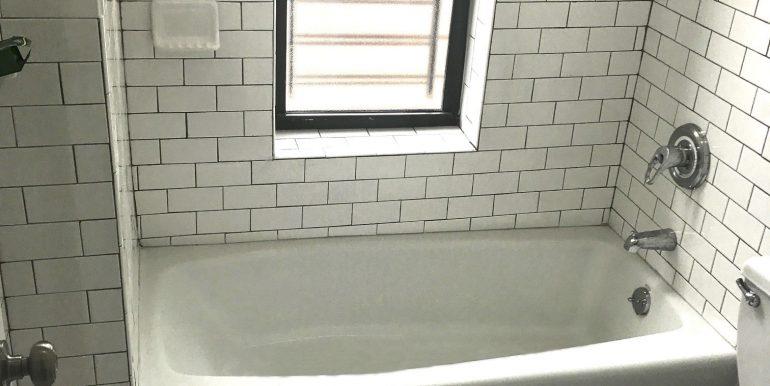 A-7.jpg 2nd bath pic