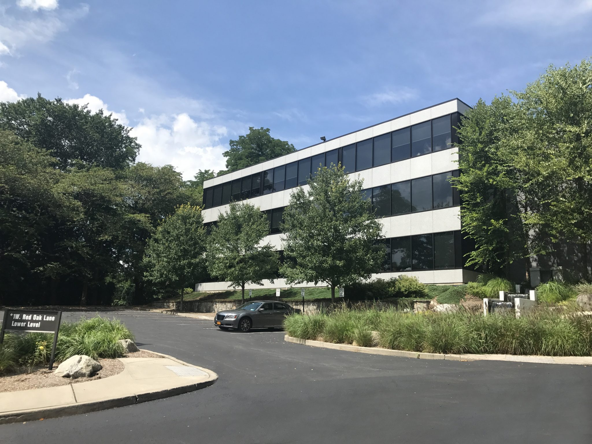 1 West Red Oak Lane – White Plains, NY 10604 – 3,500 sq. ft.